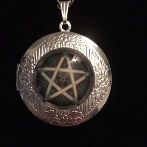 Jewelry - Pentagram Symbol Necklace 18""